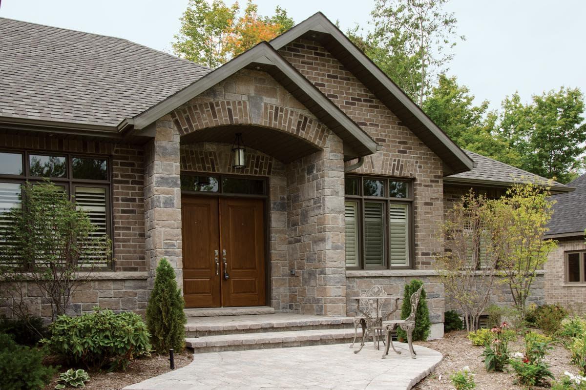 Brampton brick building stone schut 39 s for Sienna house