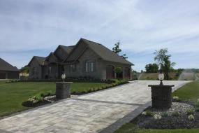 Oaks Landscape Products - Villanova, Champagne and Onyx